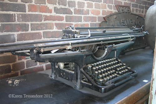 Typewriter_0404